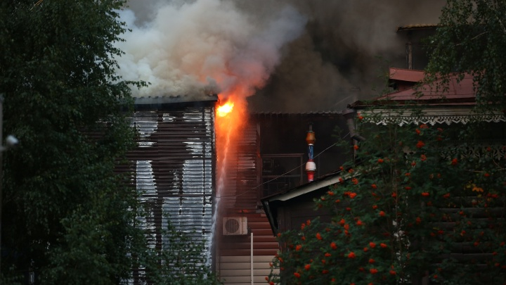 Пылает как спичка: 4 видео горящего ресторана PuppenHaus