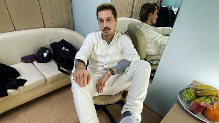 Фанаты Димы Билана в Красноярске спели ему возле гримёрки и позвали на «Евровидение–2020»