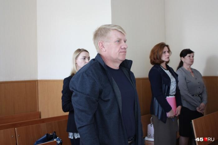 Сергей Домосканов выслушал приговор суда и от комментариев отказался