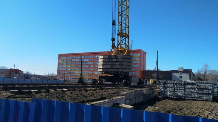 Стали известны новые подробности о торговом комплексе, который строят у омского политеха