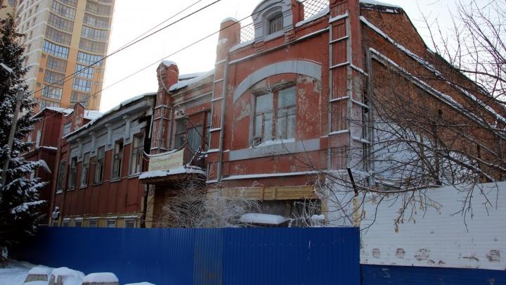 Разрушенное здание-памятник из Газетного переулка сдали в аренду по рублю за квадрат