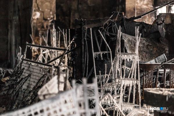 Павильон сгорел за 40 минут
