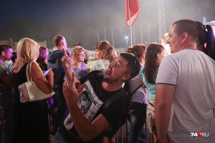 Челябинцы рассказали об отношении к профессиональным праздникам