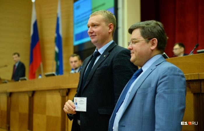 Владимир Смирнов на этом фото слева