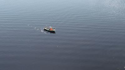 День почты: история о женщине-почтальоне, которая на лодке возит еду и письма людям на остров