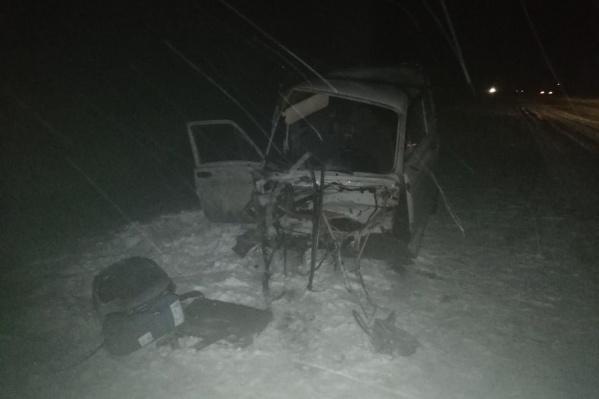 От удара из салона авто вырвало сиденье
