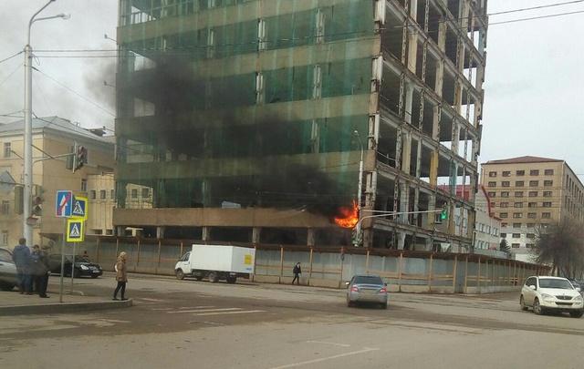В центре Уфы загорелся светофор