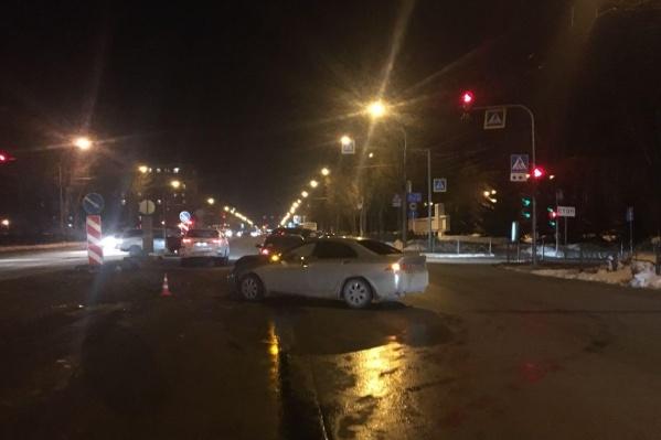 Водитель «Хонды» врезался в две попутные машины