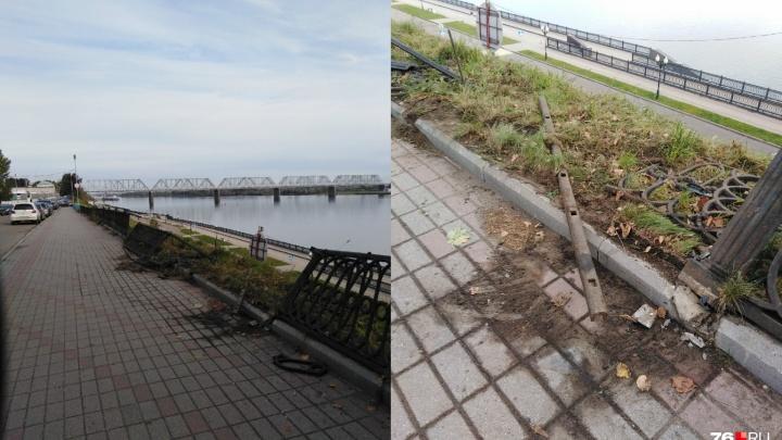 В мэрии Ярославля рассказали, когда восстановят развороченное ограждение на Волжской набережной