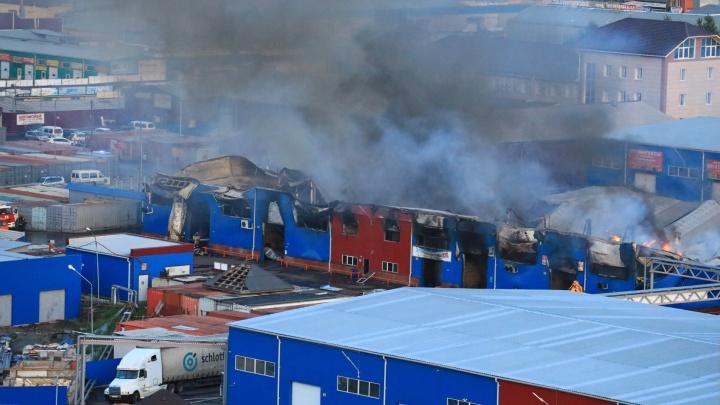 Пожар на рынке в Красноярске: десять эпичных фото и видео