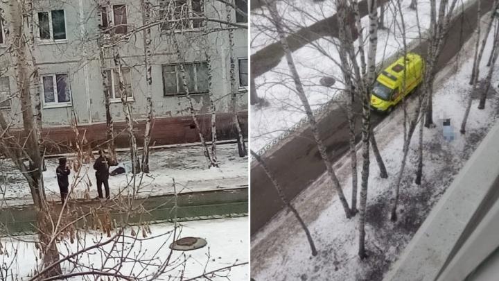 С крыши тюменской многоэтажки сорвался мужчина