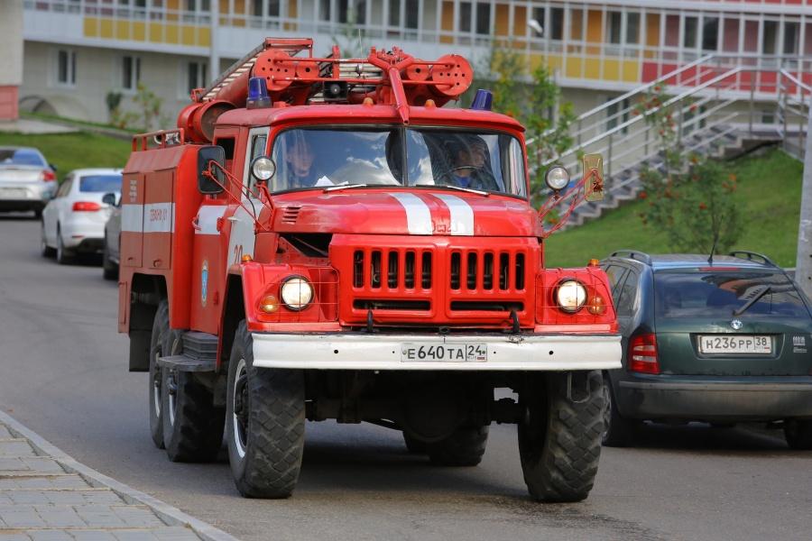 ВКрасноярске мужчина поджог вседорожный автомобиль  знакомой из-за ненависти