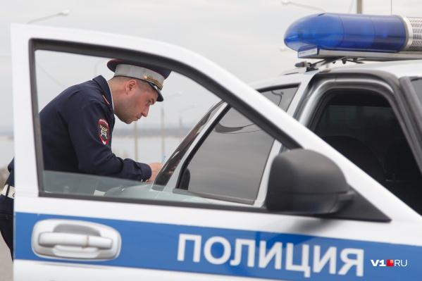 Одинокая женщина привлекла внимание полицейских