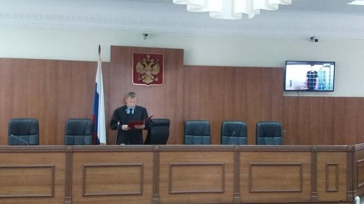 «Пусть сидит в СИЗО»: волгоградский областной суд оставил под стражей молодогвардейца Булатова