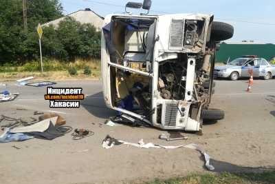 Авария произошла на перекрестке улиц Мира и Большевистская в Минусинске 27 июня