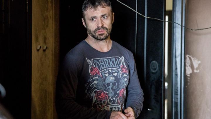 Спрятал жену и детей за городом: семью ярославца пытались заживо сжечь в квартире
