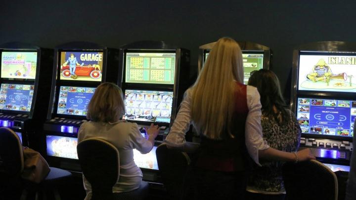 Четырнадцать новосибирцев пошли под суд за работу в казино на Ватутина и Вокзальной магистрали