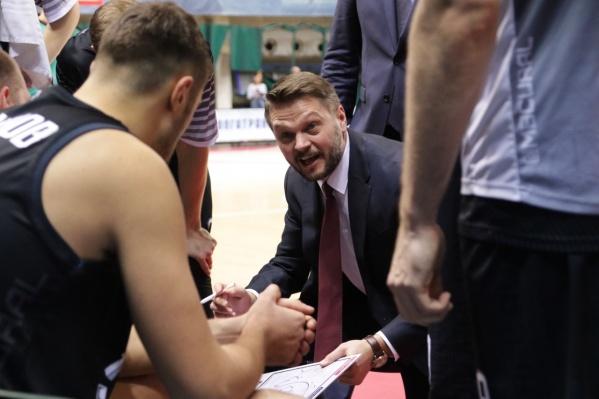 Это был первый матч «Урала» под руководством нового главного тренера Михаила Карпенко