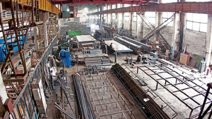 Тюменский завод после травмы рабочего подменил трудовой договор, чтобы избежать наказания