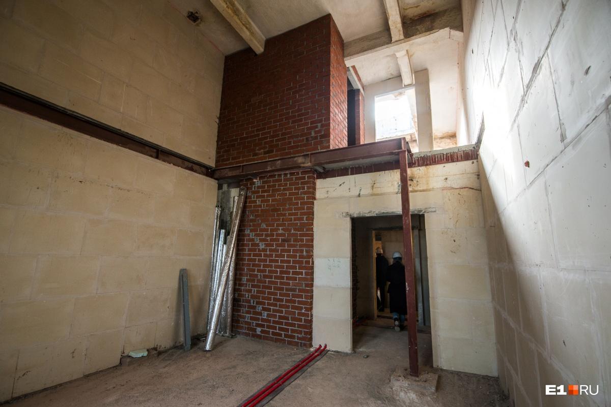 Пятый и шестой этажи в мельнице займут двухуровневые апартаменты. На верхнем этаже будут зенитные окна