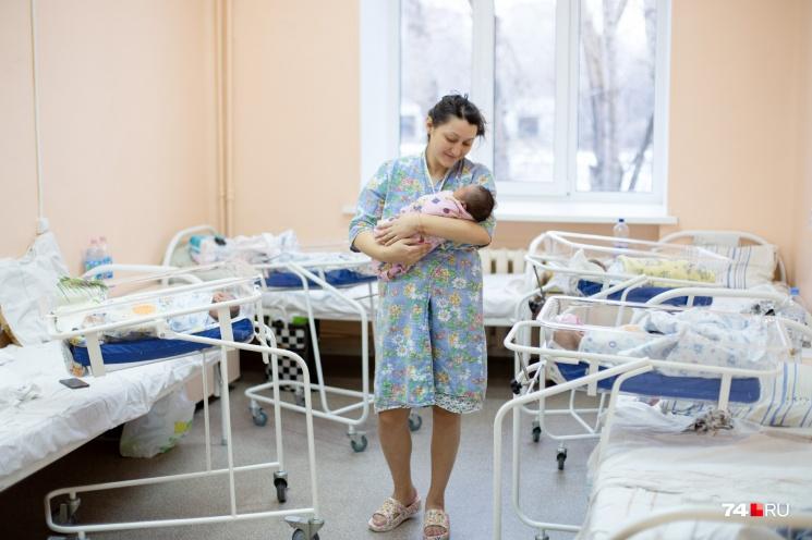 По сравнению с 2016 годом на Южном Урале родилось на восемь тысяч детей меньше