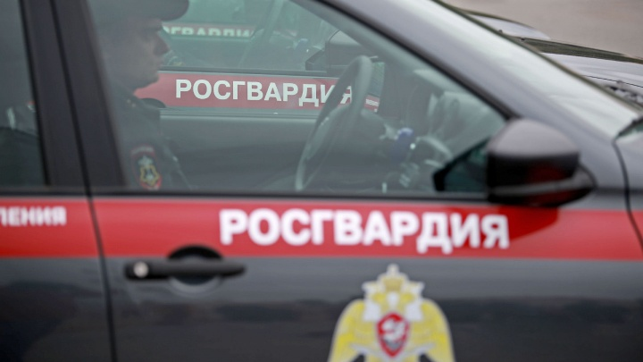 Диггера из Башкирии задержали, когда он вылез из-под земли у Дома Правительства в Москве
