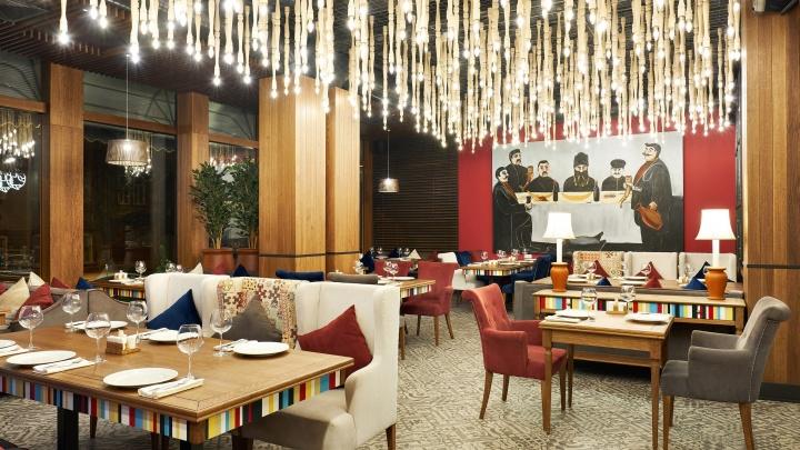 Судебные приставы опечатали модный ресторан в центре Тюмени