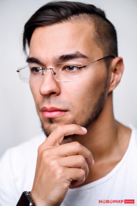 Новосибирцы могут бесплатно проверить зрение и подобрать очки с офисными линзами