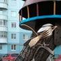 «Ничего сверхъестественного»: пермский слесарь украсил двор арт-объектами из металлолома