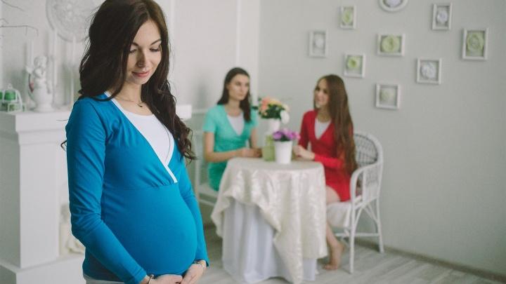 «Типично женские вакансии»: жительницы Екатеринбурга смогут хорошо зарабатывать во время декрета