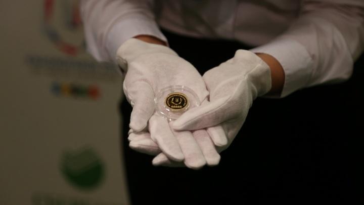 Красноярцам предлагают обменять мелочь на памятные монеты Универсиады без доплат