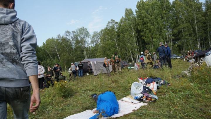 Волонтёры приехали в лес за сотникилометров от Новосибирска на поиски пропавшего ребёнка