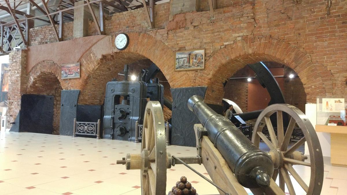 Пушка из уральского металла