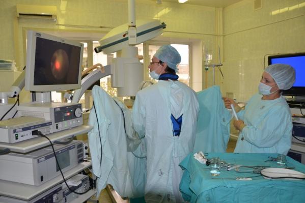 Методику лапароскопической операции по удалению почек разработали врачи краевой больницы