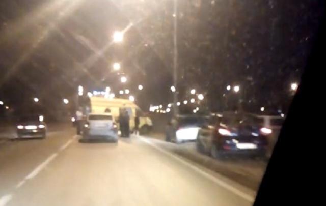 На улице Тимофея Чаркова водитель Volvo сбил пешехода-нарушителя