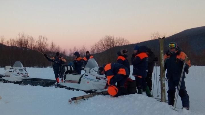 Турист сломал ногу во время прогулки на снегоходе