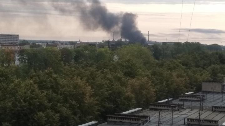 Пожар на проспекте Октября в Ярославле: что горит