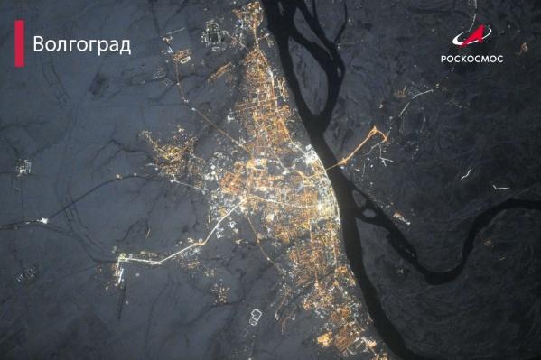 Волгоград сняли с высоты 420 километров