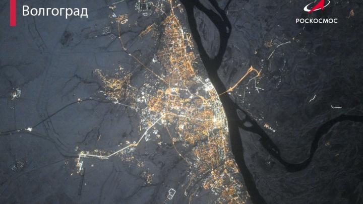 Ночной Волгоград показали с высоты 420 километров
