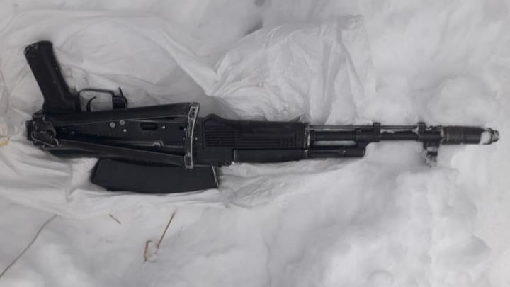 Жителя Башкирии задержали во время покупки боевого оружия, полицейские сняли операцию на видео