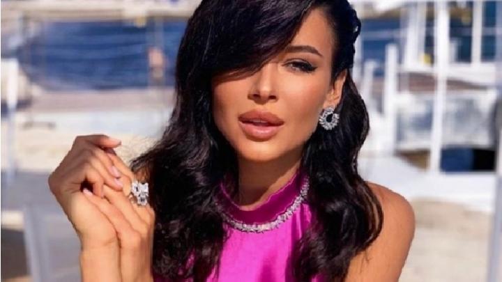 Уральская красавица София Никитчук представила собственный бренд одежды
