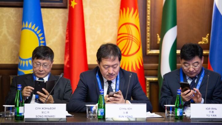 Полностью мобильные: в Челябинск прилетели представители стран-участниц ШОС