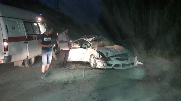 ДТП на Балтийской: иномарка слетела с дороги и снесла два дерева (фото)