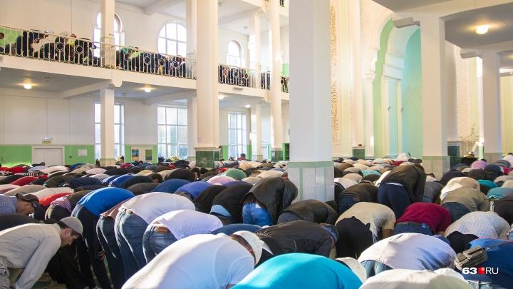 «Колокола и призыв к молитве будут спорить друг с другом»: строить мечеть на Мехзаводе не разрешили