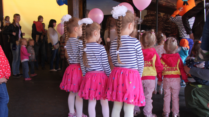 В Самаре родителям близнецов предложили платить по 5000 рублей при поступлении детей в первый класс