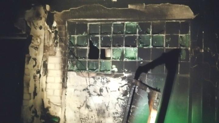 Эвакуировали жителей: в многоэтажке на проспекте Дзержинского загорелся подъезд