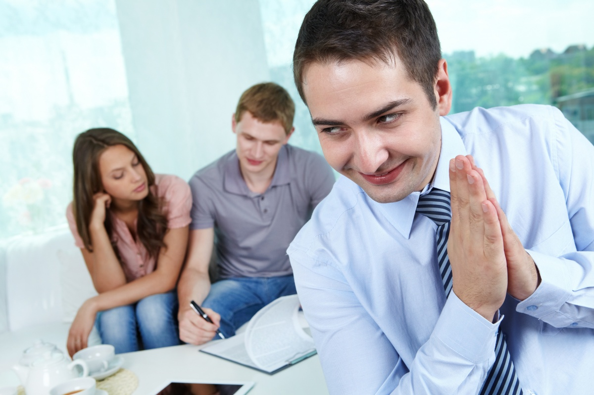 Сдавайся, аферист: как распознать арендатора-мошенника