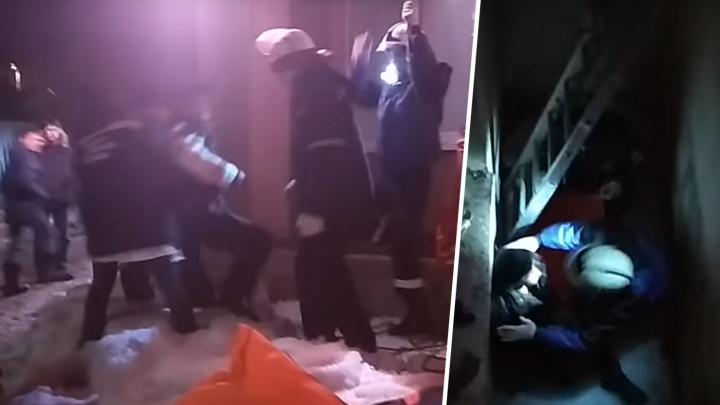 В Сызрани мужчина упал в четырехметровый колодец подвала