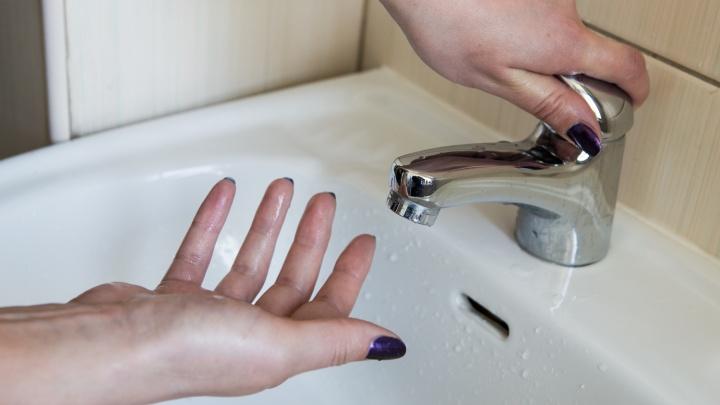 Шесть домов в Дзержинском районе остались без холодной воды