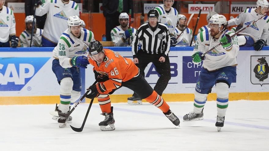 «Салават Юлаев» начал гостевую серию с поражения от «Амура»